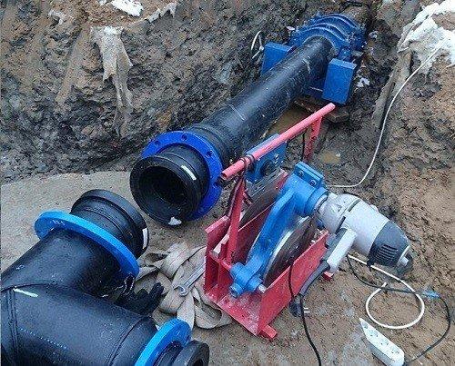 Установка полиэтиленовых труб для воды. Методом сварки